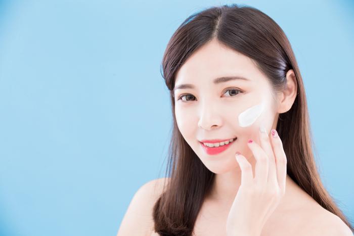 肌をリフトアップさせる|化粧品の塗り方 | お肌メディア